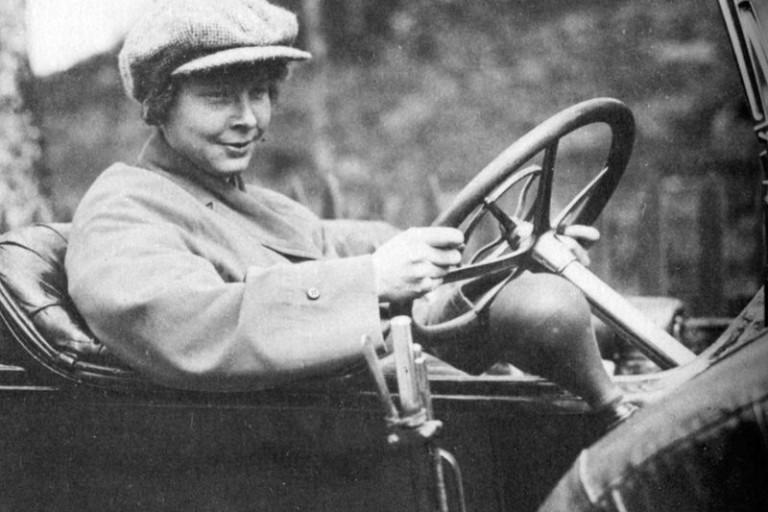 Ester Blenda Nordström 1891-1948. Nu blir hennes dramatiska liv utställning på Skarhults slott.